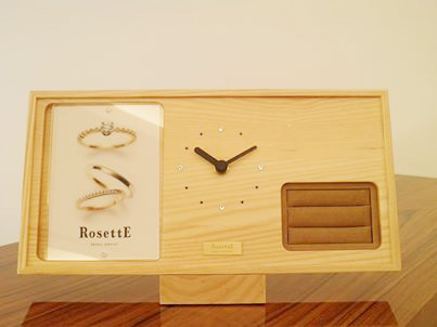 お客様にオリジナル時計をプレゼント
